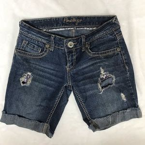 Y2K Jean shorts with holes (SIZE 1)